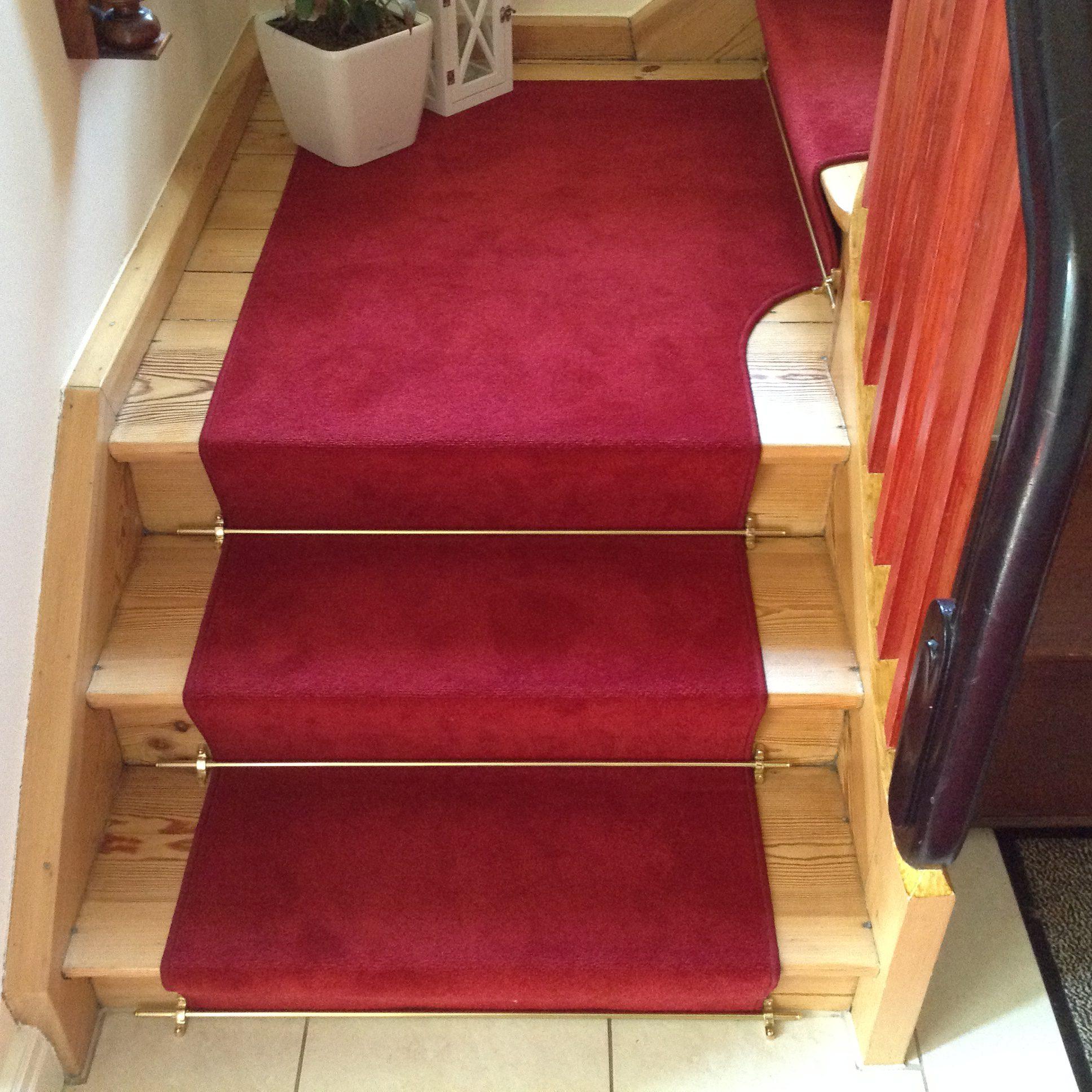 Podest & Stufen durchgehend aus einem Stück verlegt